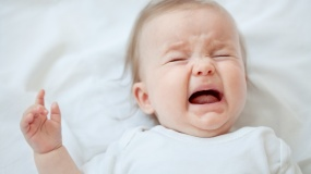 AM_b_what-do-I-do-if-baby-cries-at-night