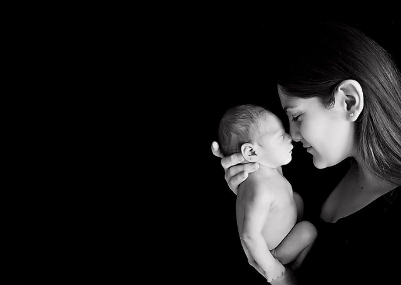 mom-and-newborn-baby