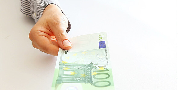 woman-hand-showing-euro-money-590x300