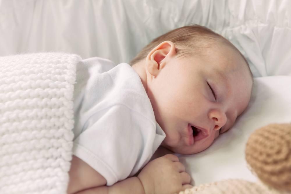 newborn-baby-boy-sleeping