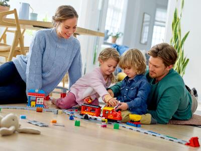DUPLO_KIDS_2HY18_10874_Steam_Train_10872_Train_Bridge_and_Tracks_10882_Train_Tracks_46