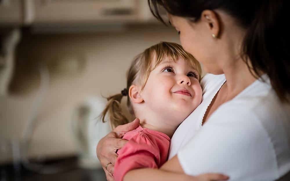 14_daughter_Heartwarming-True-Stories-About-Mother-Daughter-Love_367423430_Martin-Novak_FT