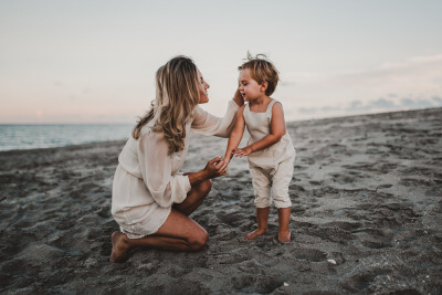 twyla+jones+photography+-+treasure+coast+florida+-+mother+son+at+the+beach--4